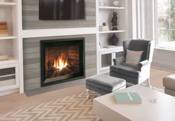 Enviro G39 Gas Fireplace with Traditional Logs