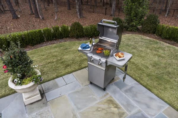 Saber elite 2-burner stainless steel gas grill