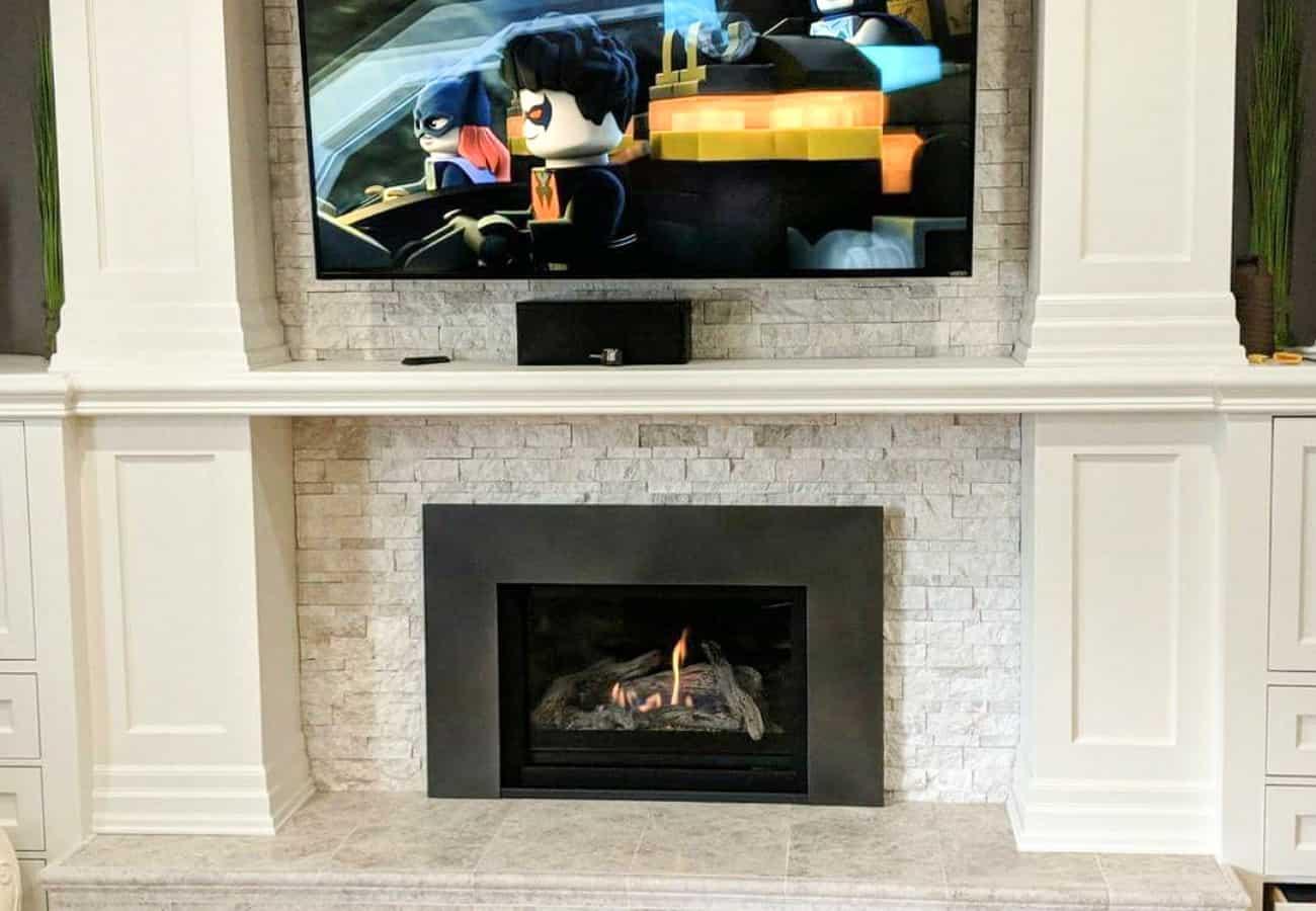 Gas_Fireplace_Insert_below_TV